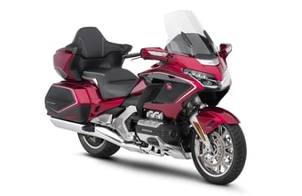 Honda GL1800 Gold Wing Tour DCT red and black metallic