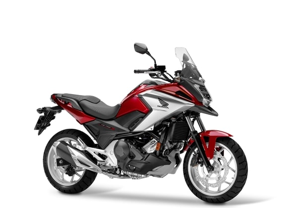 HONDA NC 750X DCT CANDY CHROMOSPHERE RED